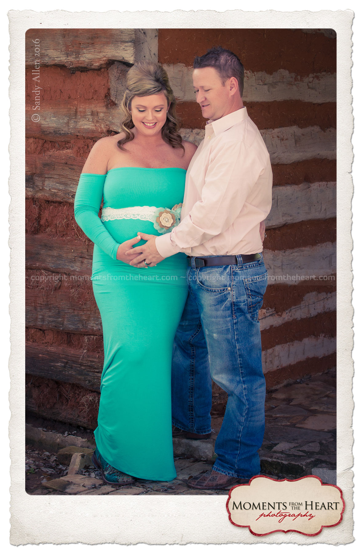 outdoor maternity couple photo session