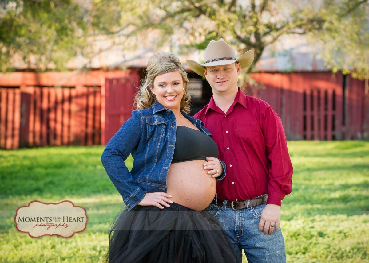 maternity outdoors barn